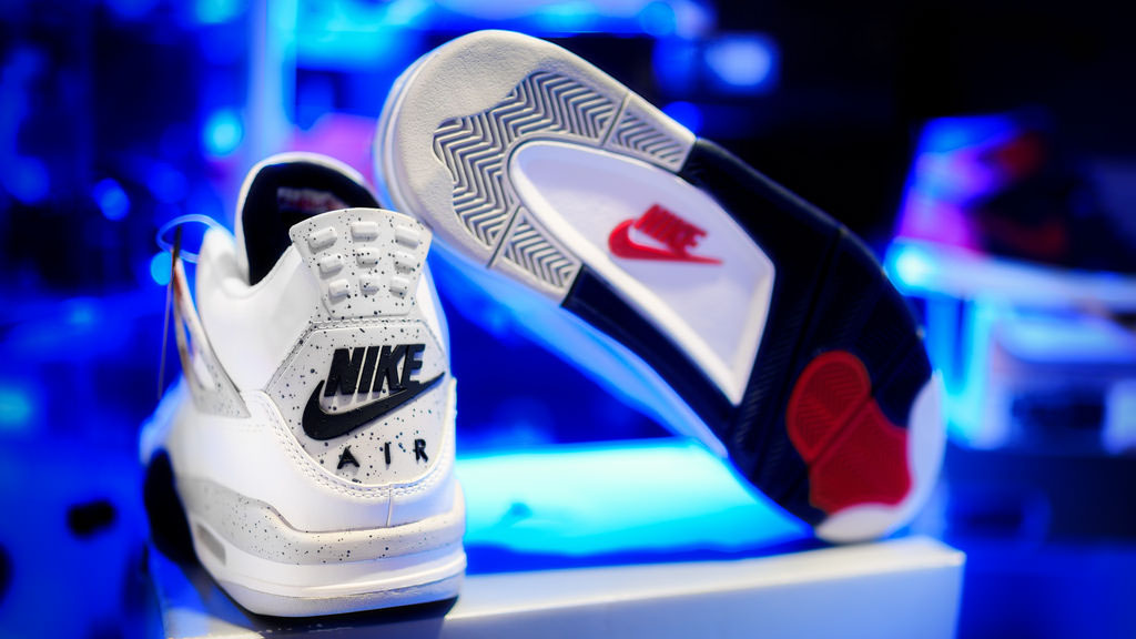 Air Jordan 4 Nike Air Returning 2016