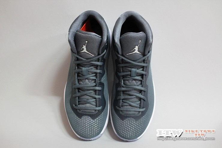 new product 25d44 c557c Jordan Super.Fly 4 Christmas Frozen Moments 807712-425 (5)