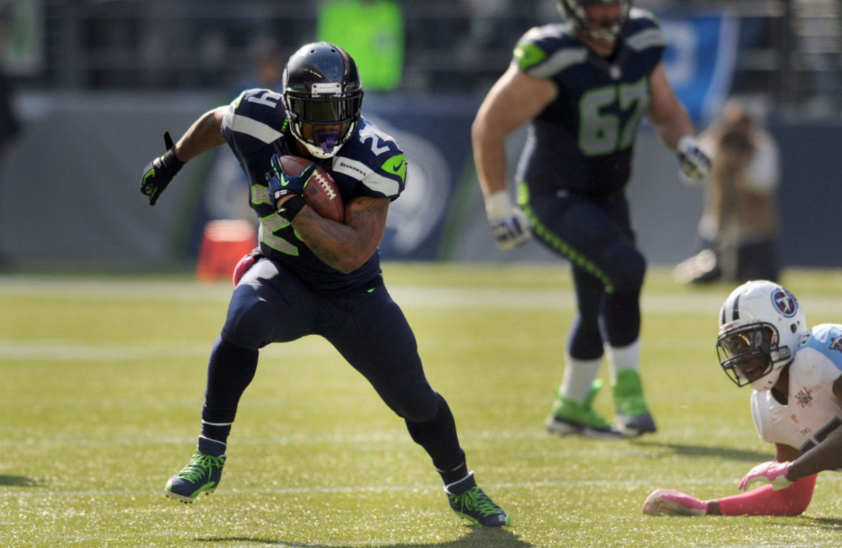 Marshawn Lynch Wears Air Jordan 12 XII PE Cleats (1)