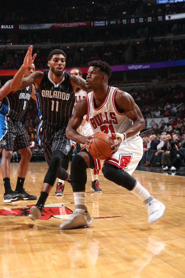 Jimmy Butler wearing Air Jordan XX 20 Laser (2)