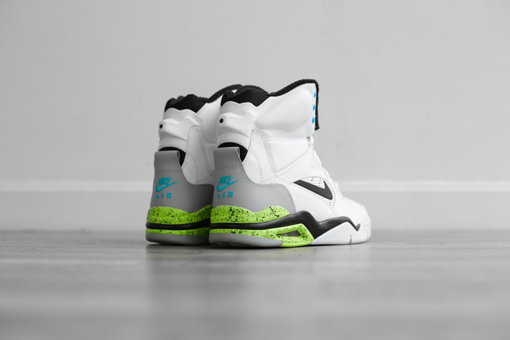 9225f0b6fc8a1 Nike Air Command Force - White Wolf Grey-Volt-Black
