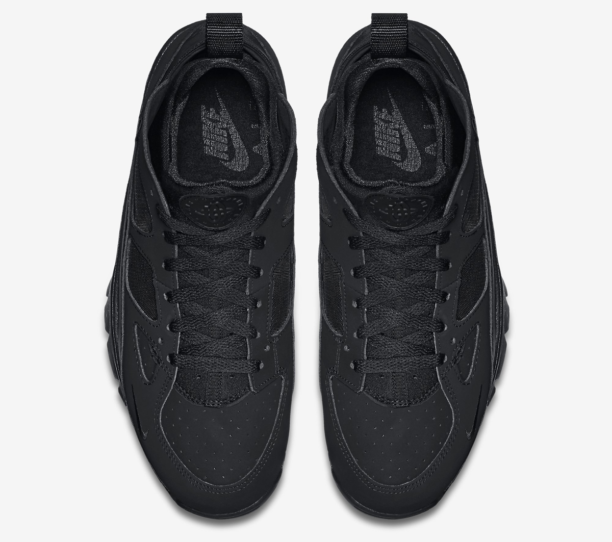 nike huarache triple black trainers