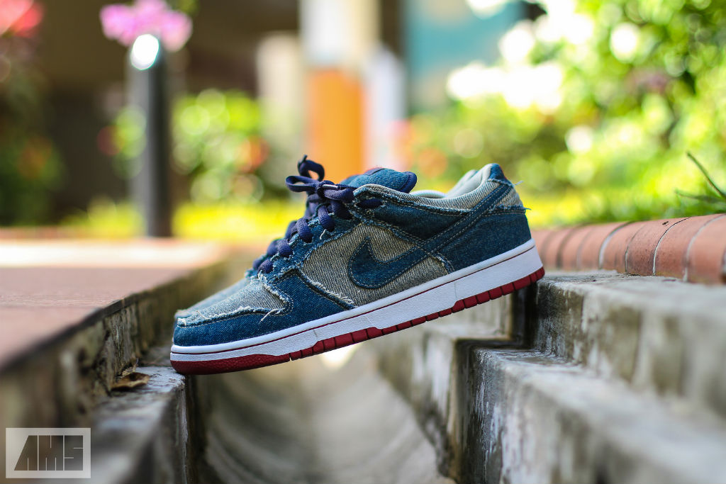 Spotlight // Pickups of the Week 10.6.13 - Nike Dunk Low SB Denim Forbes by tocracy