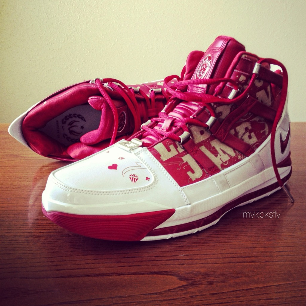 hot sale online ef06c 49c11 Spotlight    Pickups of the Week 4.28.13 - Nike Zoom LeBron III All