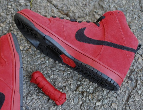 official photos 078c6 4c312 ... discount enjoy a closer look below and look for the red devil nike sb  dunk high
