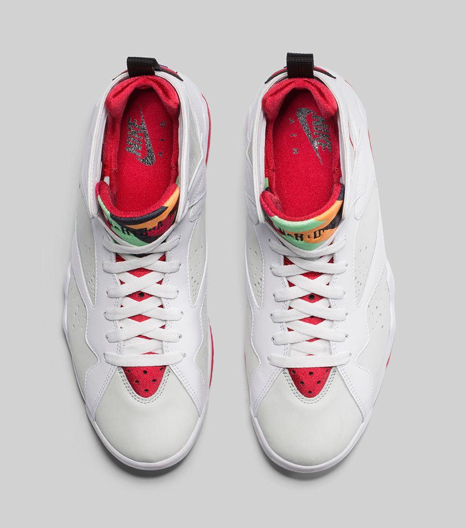 hot sales fc22e 88903 Jordan Brand Remasters Bugs Bunny s Favorite Sneakers