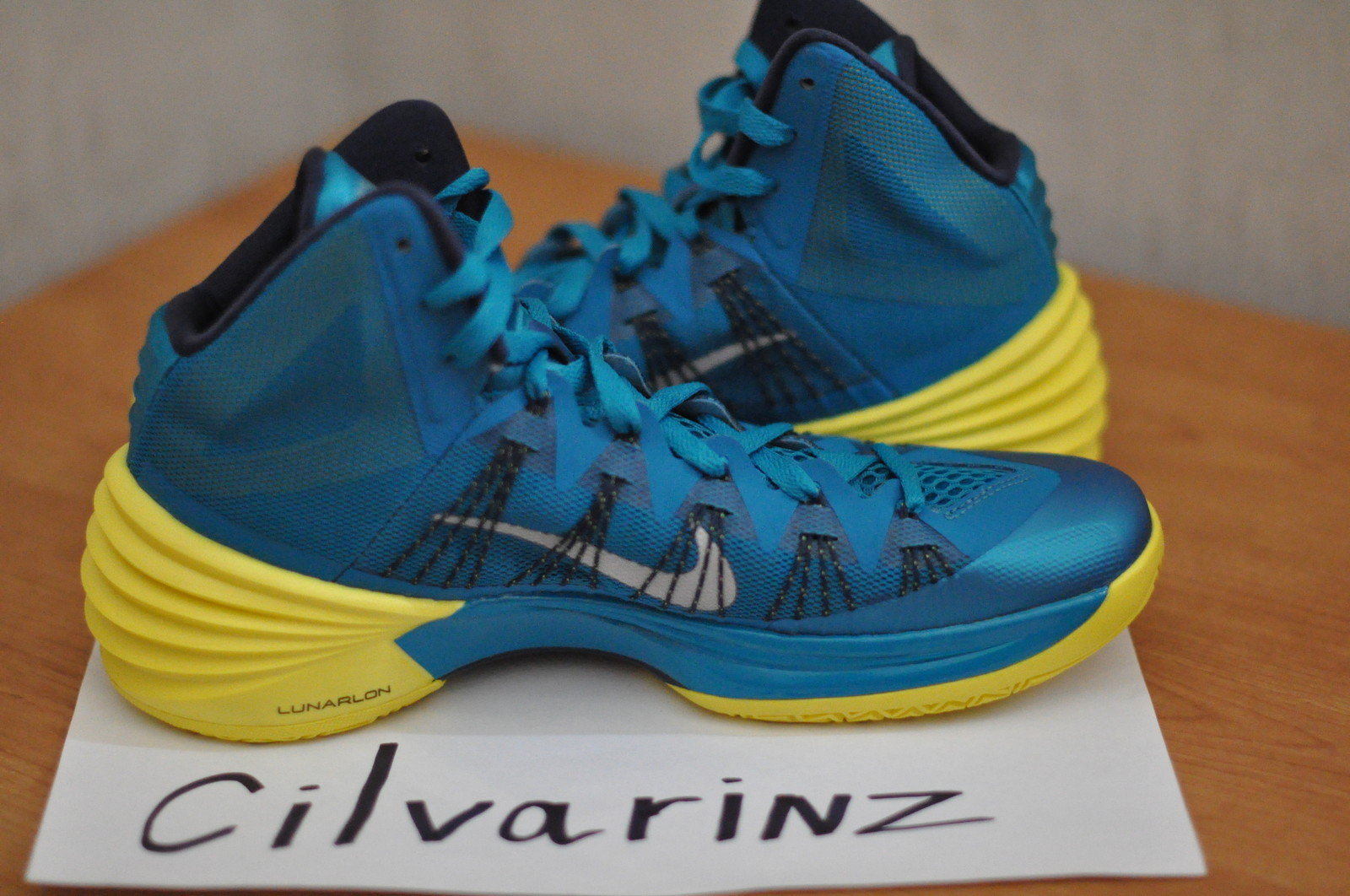 uk availability 0a407 09b95 First Look    Nike Hyperdunk 2013 - Two Colorways