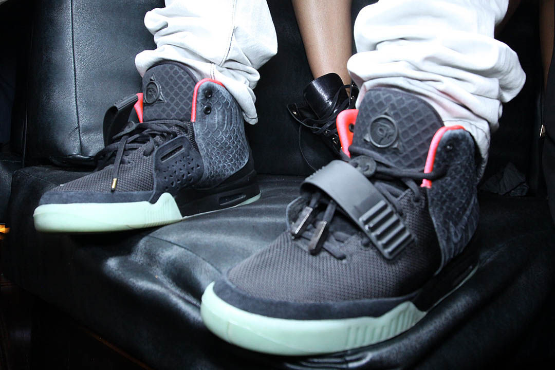 new product 99887 72696 Nike Air Yeezy 2 Black Solar Red 508214-006