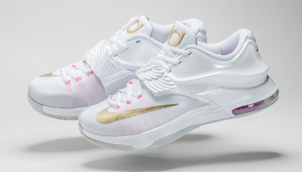 new style fc5db abf7f Kevin Durant Honors  Aunt Pearl  with Special Release