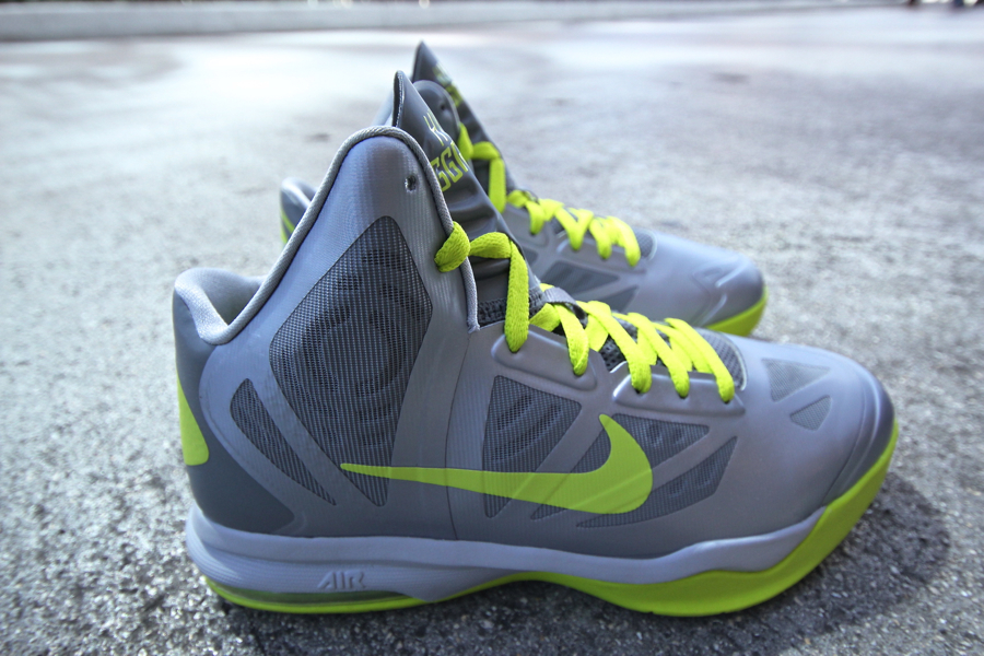 official photos 27f22 fa6aa ... Nike Air Max Hyperaggressor - Wolf GreyAtomic Green Nike Mens  Basketball Shoes ...