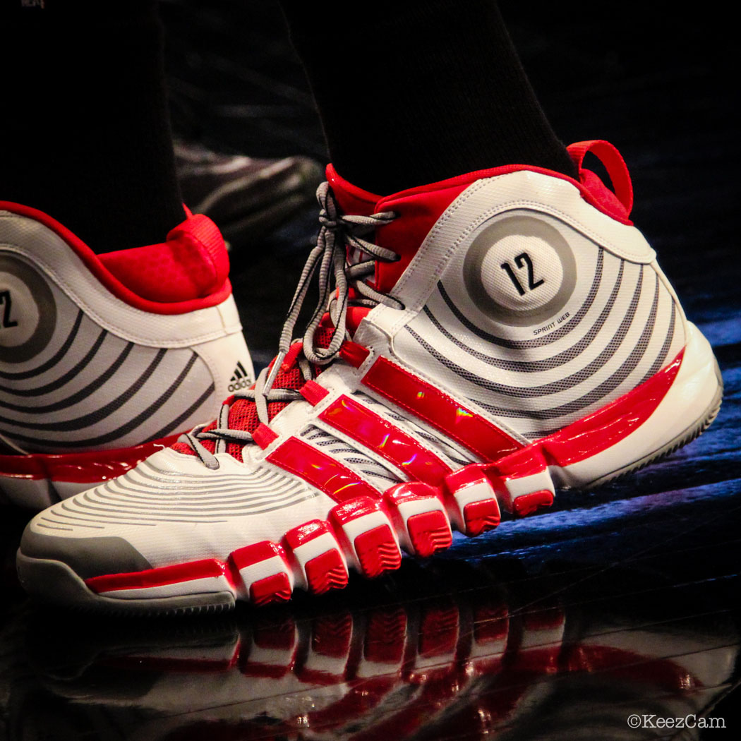 Dwight Howard wearing adidas D Howard 4 PE (1)