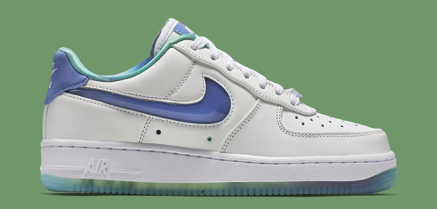 official photos 297e6 73a47 Nike WMNS Air Force 1 Low