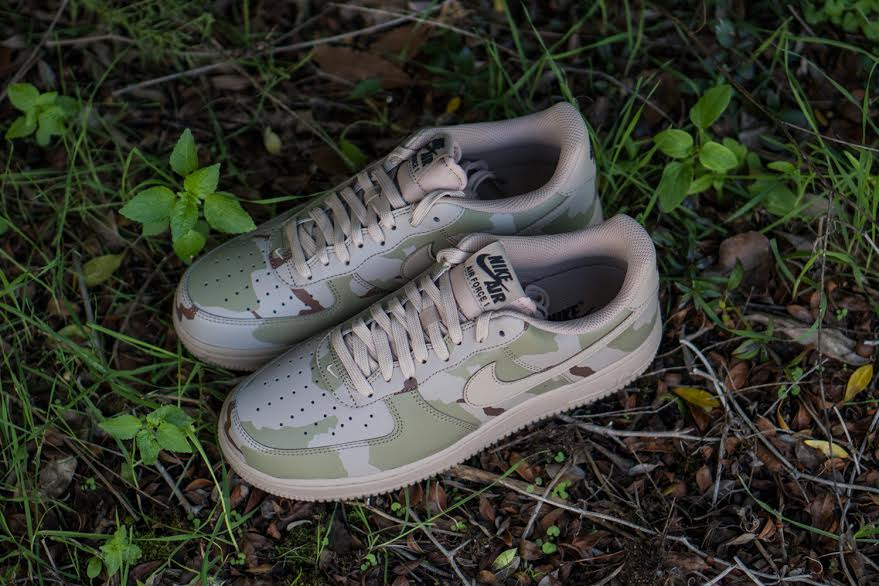 Nike Air Force 1 07 LV8 Desert Camo Top 718152-204