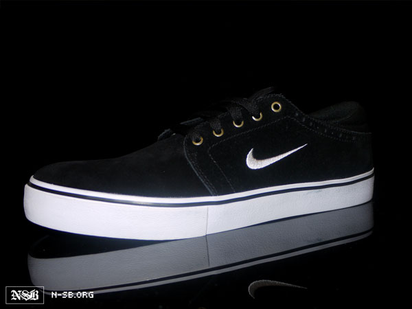 timeless design f6c72 a8176 Nike SB Team Edition 2 - Black Suede - Spring 2012