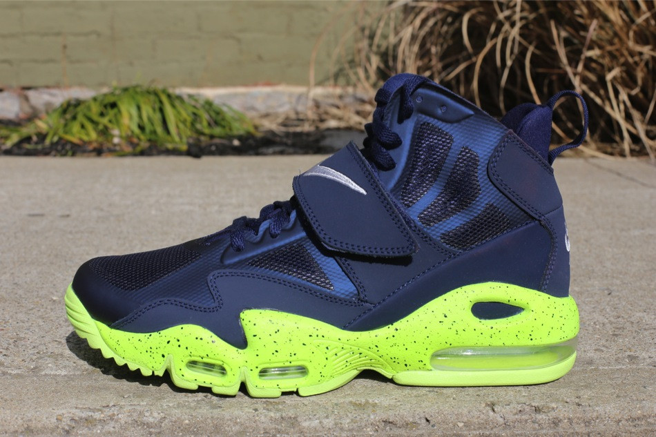 info for ab2b9 e5130 Nike Air Max Express - Midnight Navy Volt