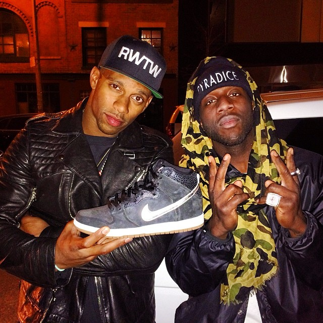 Victor Cruz Picks Up Nigel Sylvester x Nike Dunk High SB SOMP