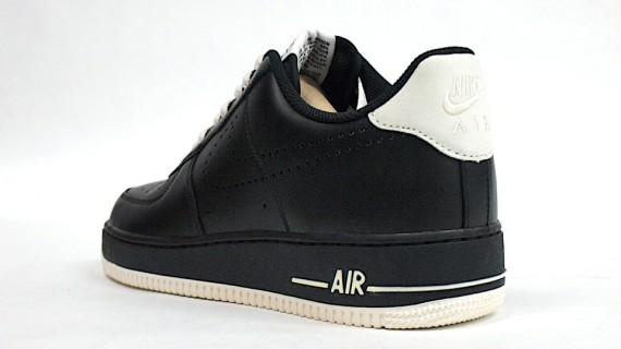 nike air force 1 swoosh black