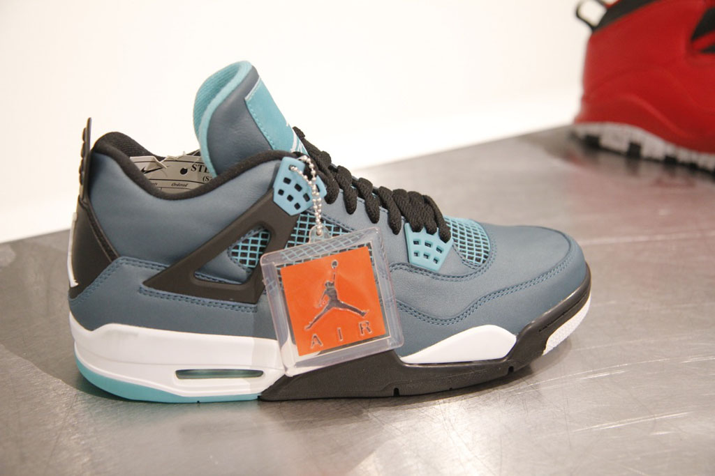 Air Jordan IV 4 Retro Teal 2015 (2)