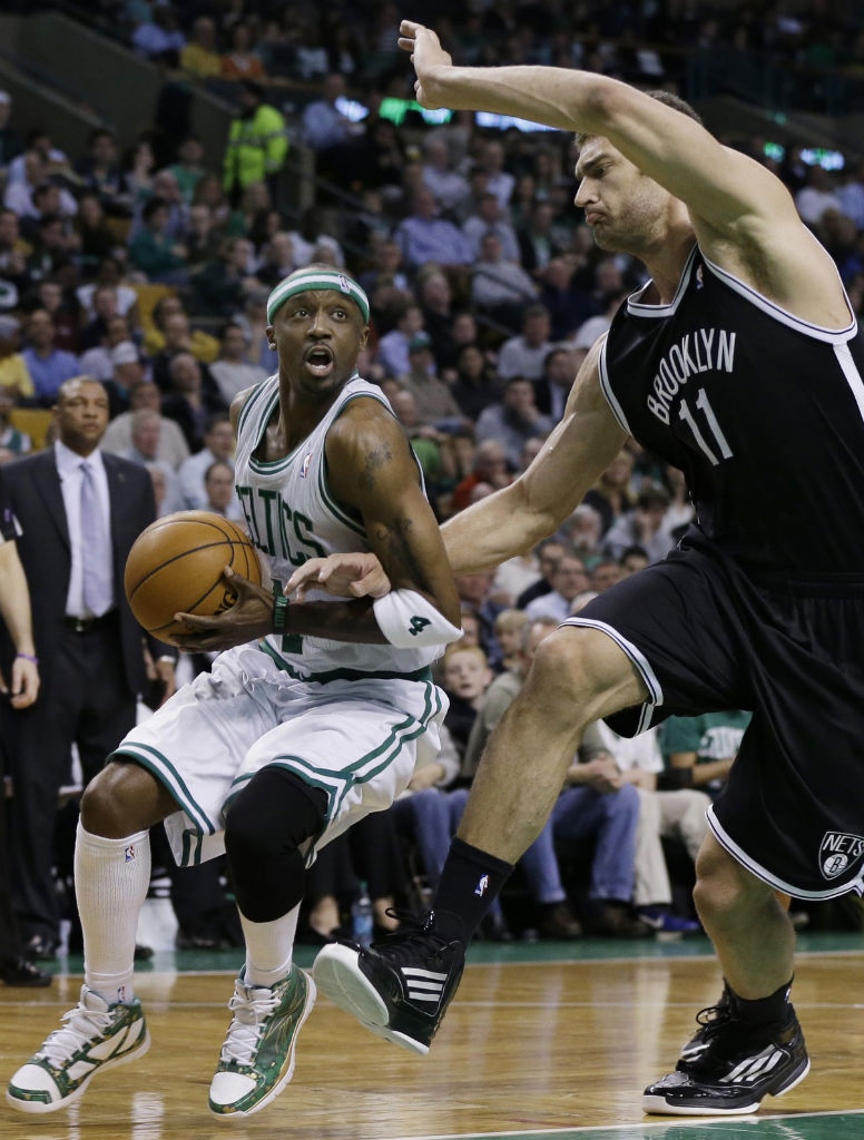 Jason Terry wearing Reebok Sublite Pro Rise PE (1)
