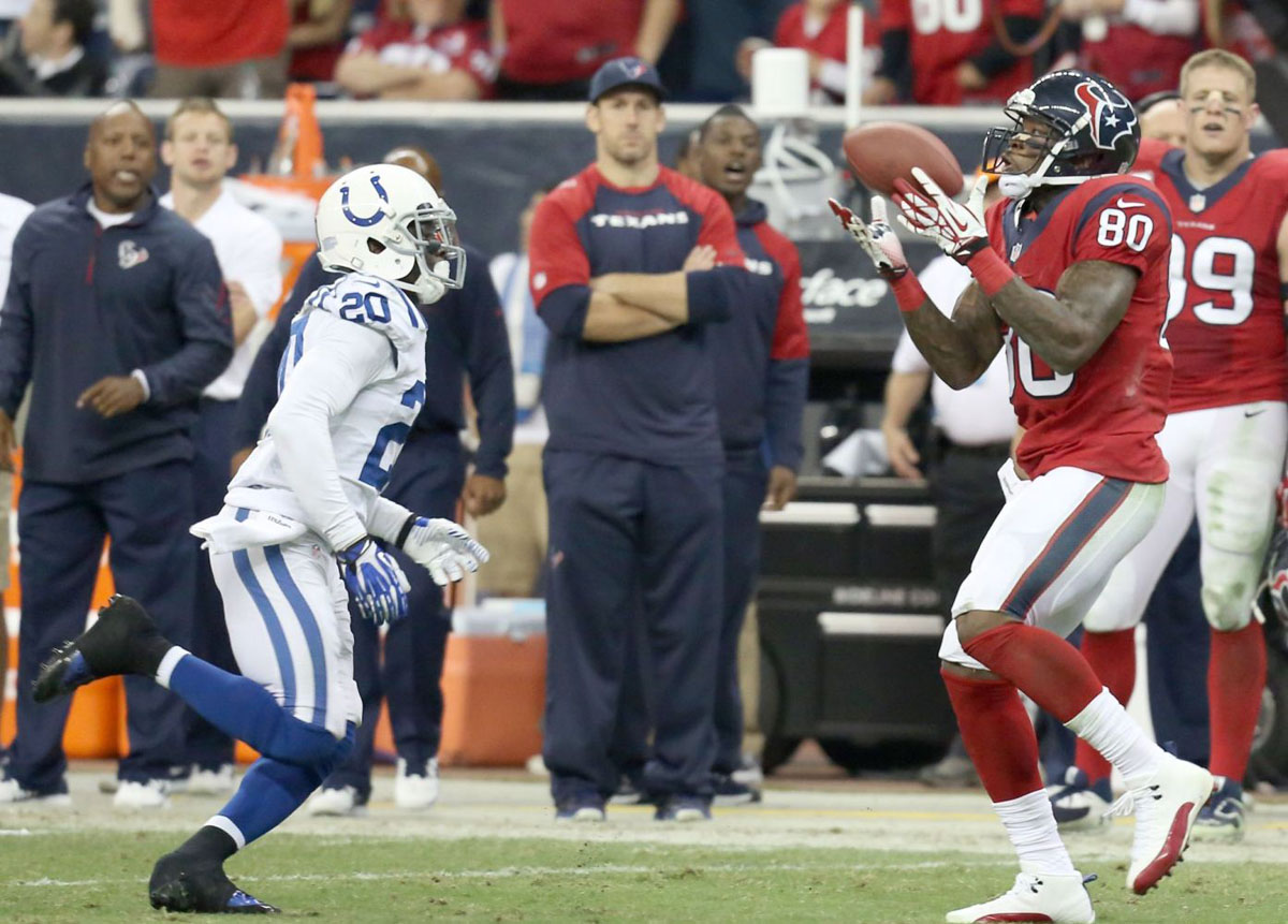 Andre Johnson Wearing Air Jordan 12 XII White/Red PE Cleats (4)