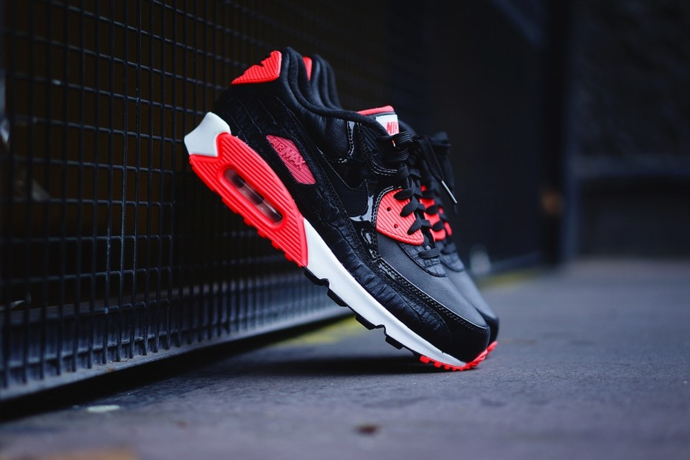 ... but you can t apply the patent leather section. Tell us if the Air Max  90