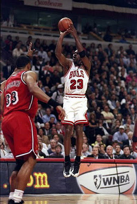 besides Shoei S also Amare Stoudemire Air Jordan Carmine in addition Lebron Bhm as well Ggptwhi U Fre Lhlene. on all white 12s
