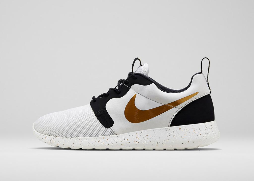 sentier de chaussure soldes salomon - Nike Sportswear Unveils The \u0026#39;Gold Hypervenom\u0026#39; Collection | Sole ...
