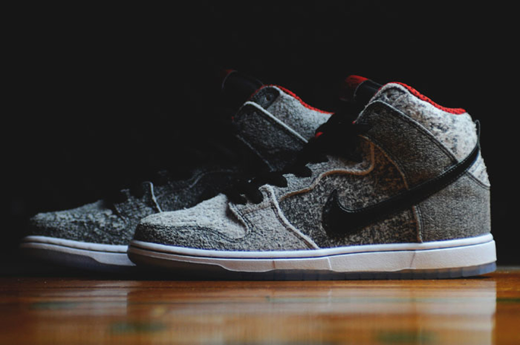cheaper 06641 90892 Another Look at the 'Salt Stain' Nike SB Dunk High Premium ...