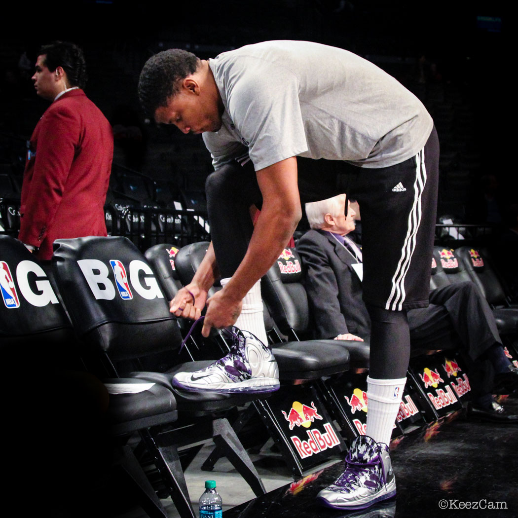 Rudy Gay wearing Nike AIr Max Hyperposite Kings PE (3)