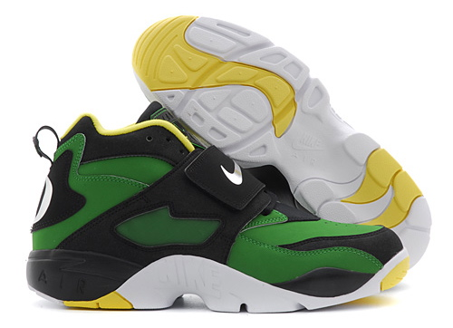 Nike Air Diamond Turf Oregon Ducks colorway
