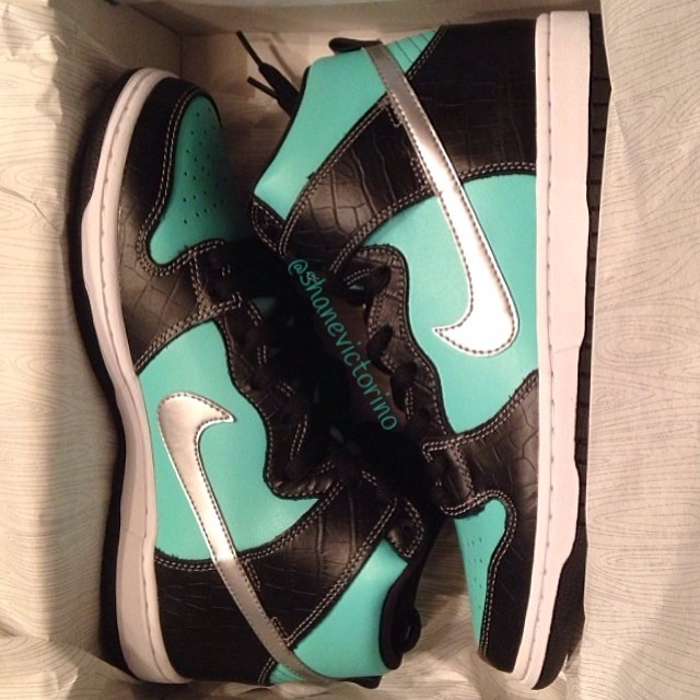 Shane Victorino Picks Up Nike Dunk High SB Tiffany