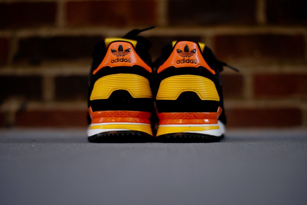 adidas zx 700 black white orange