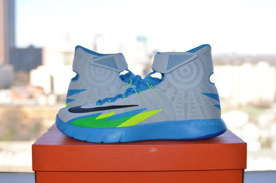 fbf45f1bddc Vivid Shots of a New Nike HyperRev