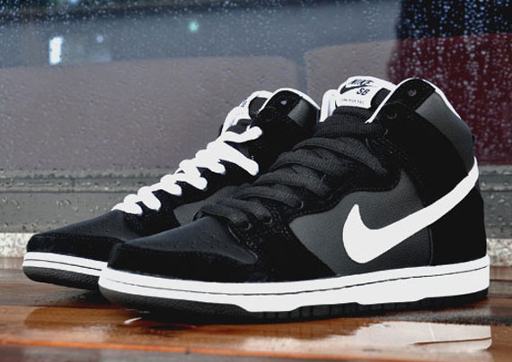 Nike SB Dunk High - Black White  1fbc6e8cdb54