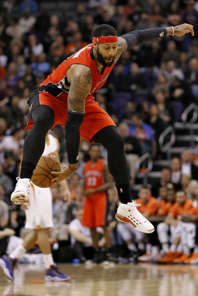 c17b97d5cf8d ... real james johnson wearing air jordan xvii 17 white red 2 d647e a60cd