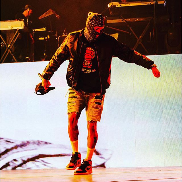 Chris Brown wearing the 'Shattered Backboard' Air Jordan 1
