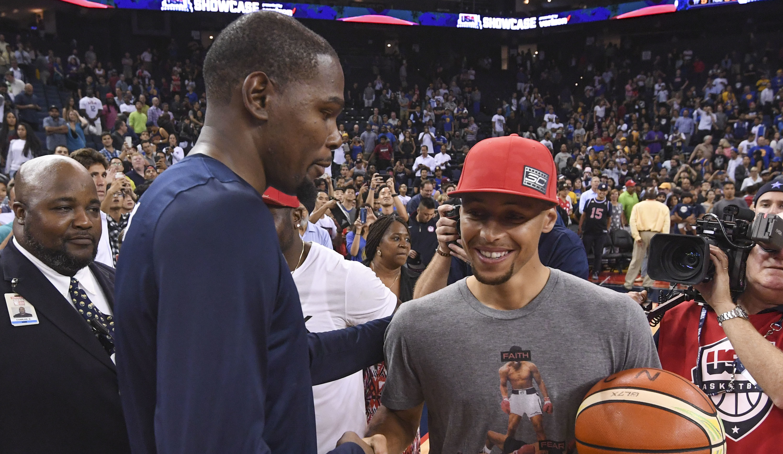 Kevin Durant Takes a Shot at Stephen Curry\u0027s Under Armour Sneakers
