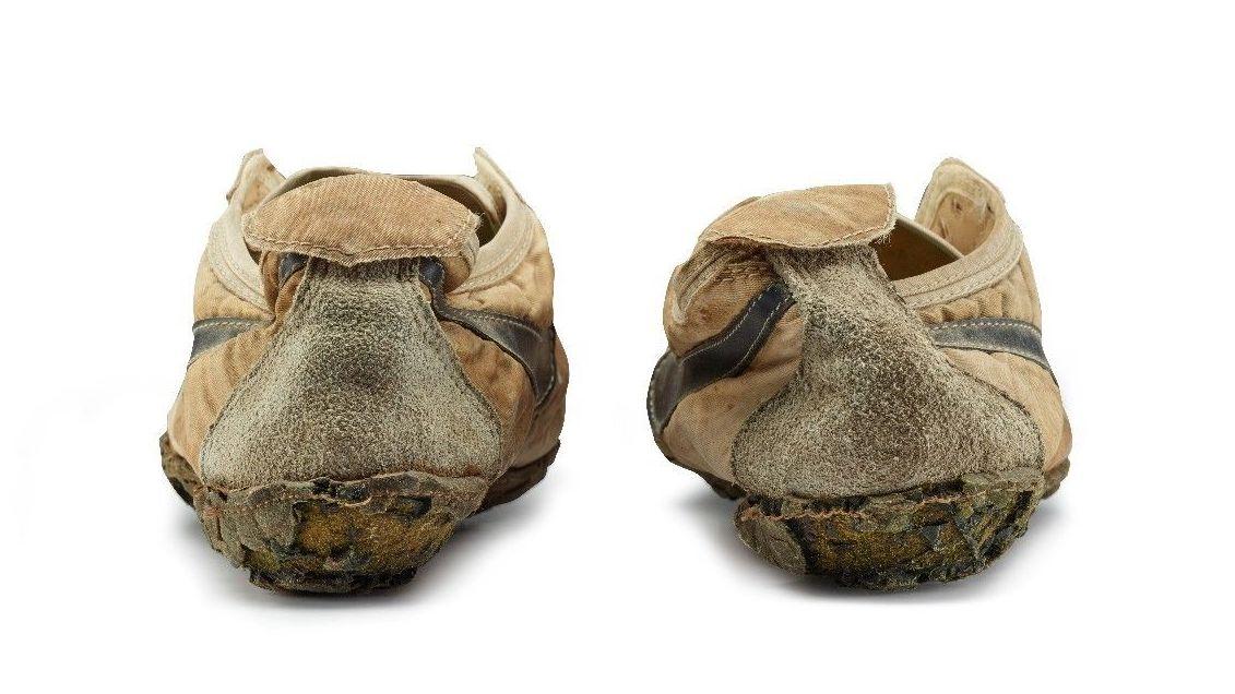 Nike Moon Shoes heel