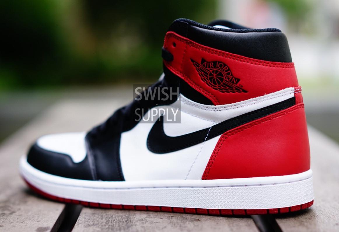 40c3c3b4de1ea0 Air Jordan 1 Black Toe 2016 Side 555088-125