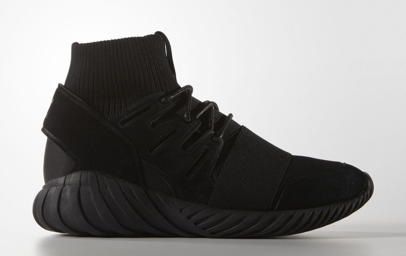 76652ad33a2 Adidas Tubular Doom Blackout