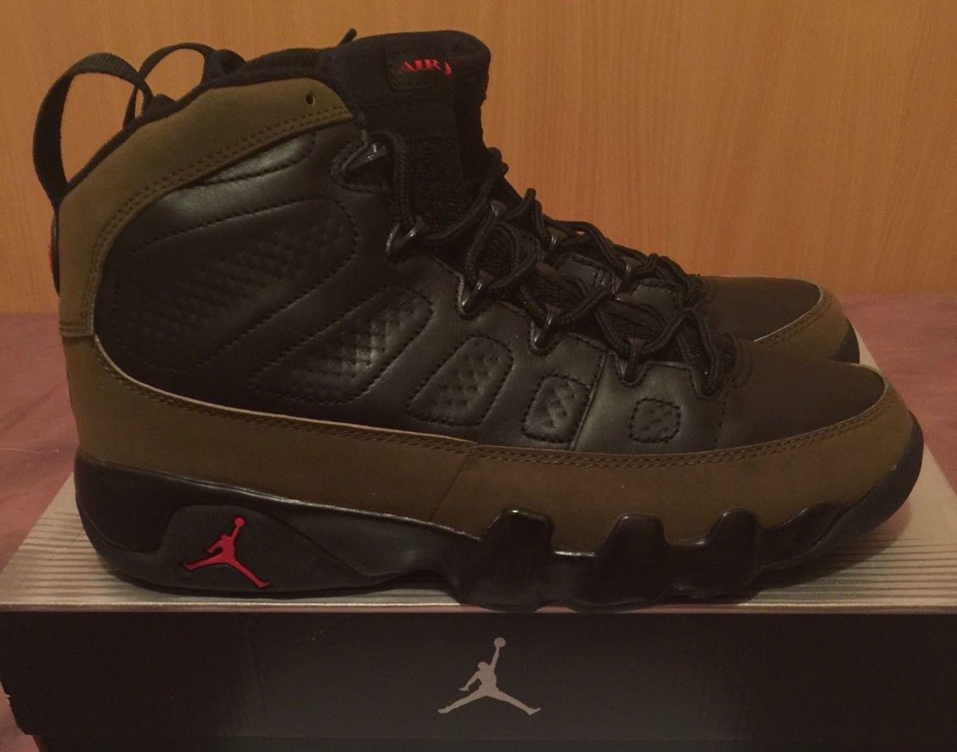 25d1fec236a4ee 20 Deadstock Air Jordans From the 2000s You Can Grab on eBay