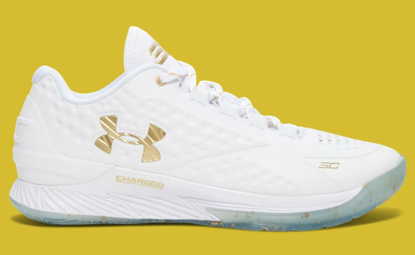 390feaafffd9 Under Armour Curry One Low