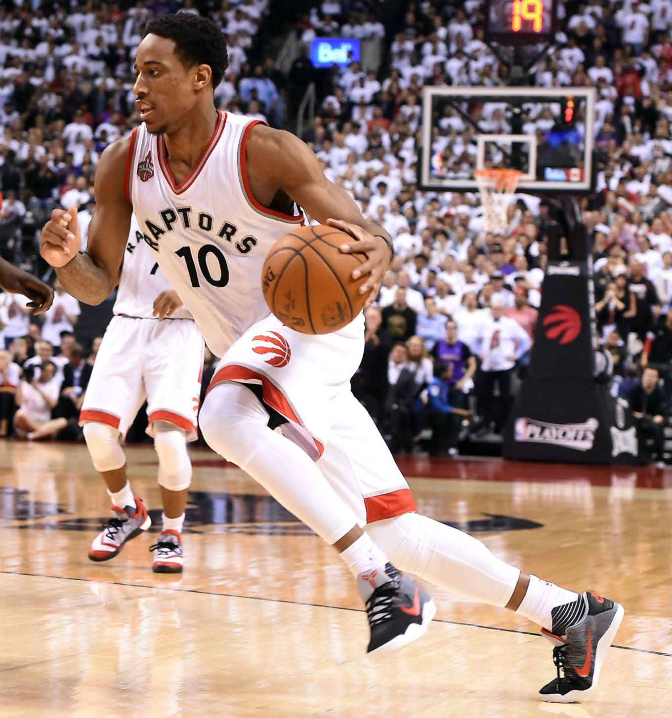 c8fc4ae9572f DeMar DeRozan Wearing the Tinker Hatfield