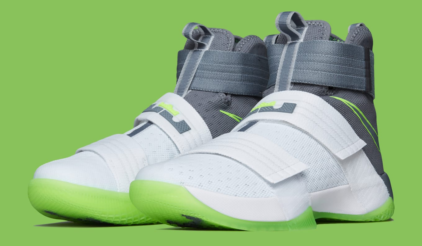 size 40 c134d 6248a Nike Zoom LeBron Soldier 10