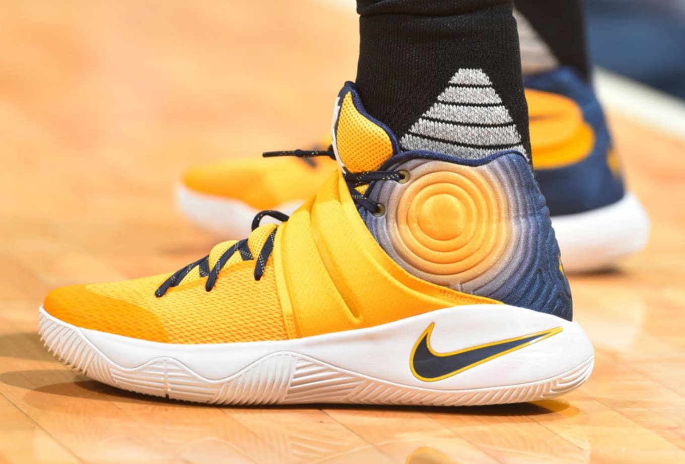 low priced 70d2d 17707 Kyrie Irving Wearing a Navy Yellow Dye Graphic Nike Kyrie 2 PE (1)