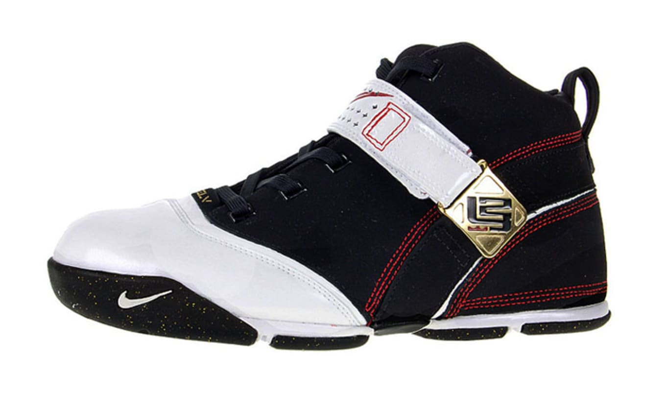 e120c26cdec Nike Zoom LeBron 5. One word immediately comes to mind when I see these   sleek. You notice the person wearing these has on nice kicks