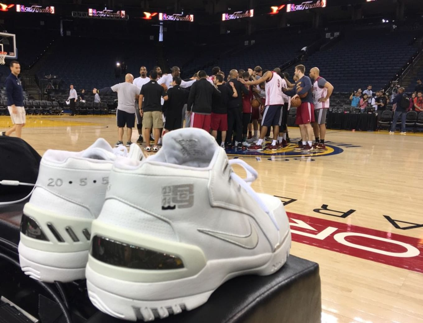 LeBron James Brought His Rookie Sneakers to the NBA Finals. Nike Air Zoom  Generation 1bd83d6c3e1e