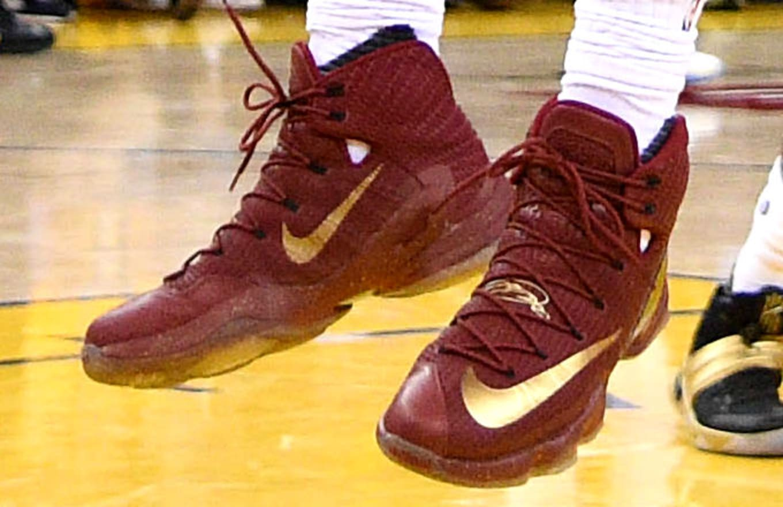 low priced 49320 20cec LeBron James Wears Wine Gold Nike LeBron 13 Elite Finals PE (1)