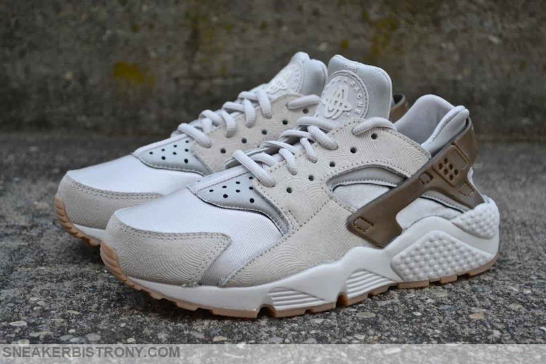 59366f3aeedc1 Nike Air Huarache Run PRM Suede Women s Gamma Grey Phantom ...