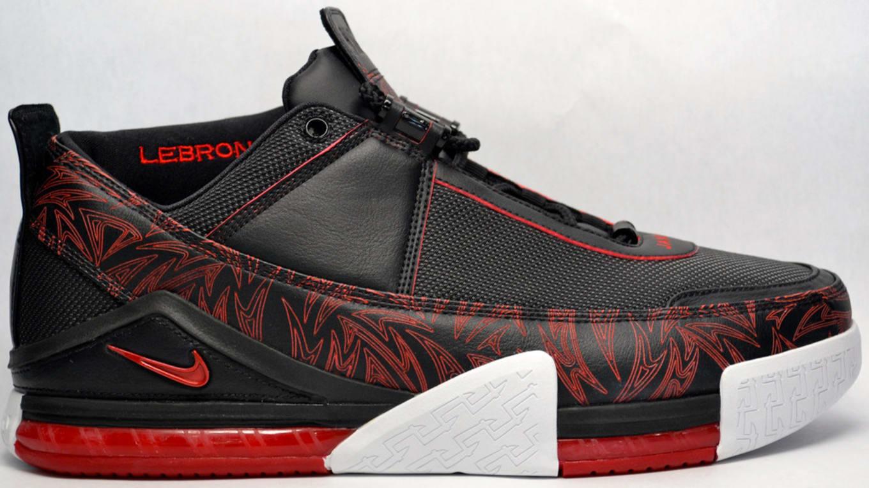huge selection of 4b276 efb65 Nike LeBron 2 Low
